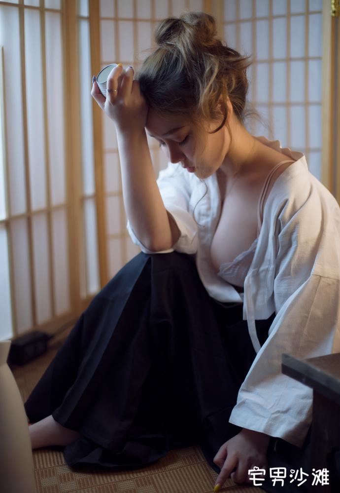 【妹子图】[BoLoli波萝社] 美女模特「柳侑绮」,剣道の女cos福利写真