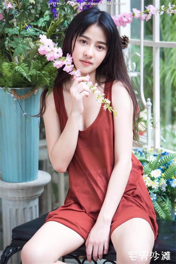 天然气质的泰国正妹「Namcha Rangsinan」,初恋脸的清新女神