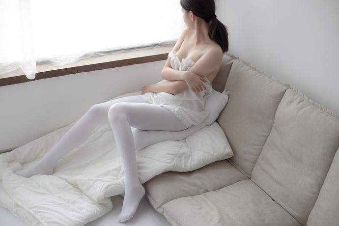 小姐姐换完衣服让人惊喜 森萝财团