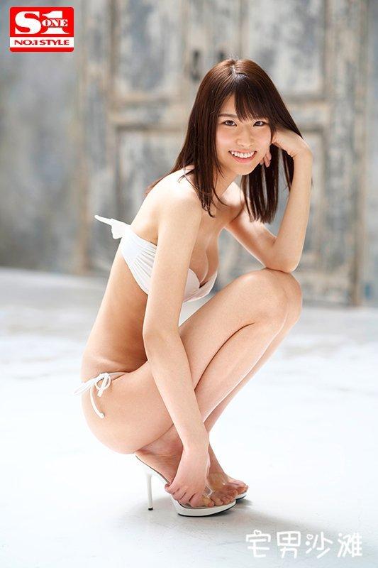 SSNI-492:1米75的长腿新人女优「泉ゆり(泉百合)」,片商打造的下一个河北彩花