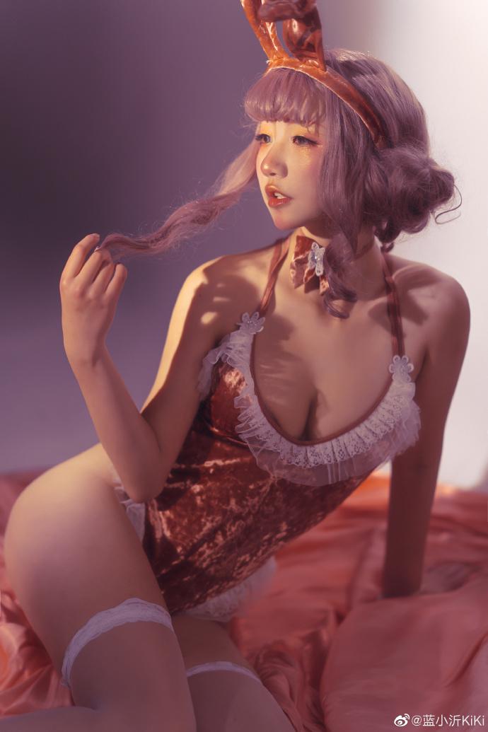 微博妹子推荐@蓝小沂KiKi 夸我含苞待放、还夸我欲盖弥彰!