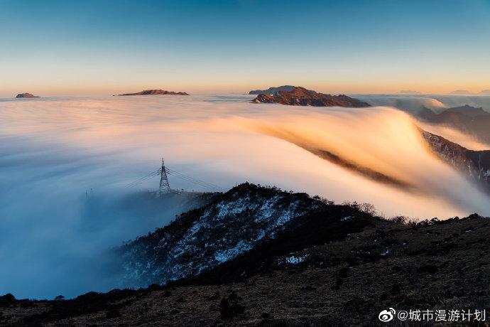 [瓜皮秀0816]白云倾泻成瀑布