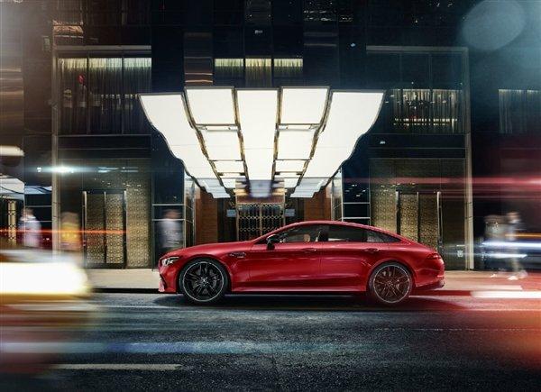 奔驰AMG GT四门版开售:100万起对标帕拉梅拉
