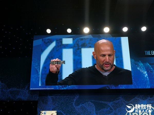 Intel宣布首款3D封装处理器Lakefiled:10nm工艺、1大4小五核心