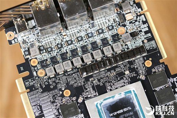 技嘉Aorus RTX 2080 Ti Xtreme 11G显卡拆解图赏