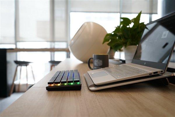 酷冷至尊发布SK621迷你机械键盘:仅64键、樱桃MX矮红轴