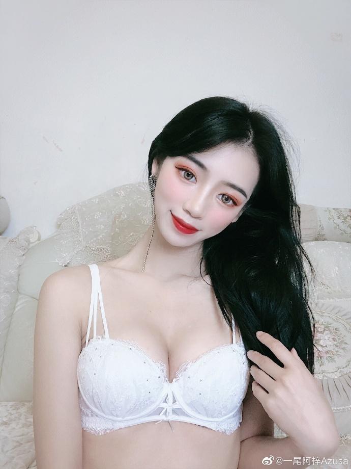 @一尾阿梓Azusa  超级好看的白色聚拢欧派内衣