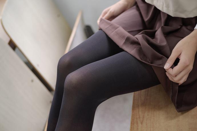 班里有个黑丝小妹妹 清纯丝袜
