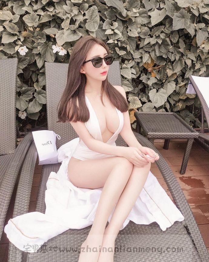嫩白妹纸「Amilus Hu」,宝岛的美少女咨询师,真正的肤白貌美。插图(1)
