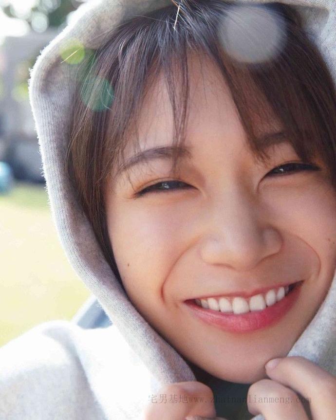 乃木坂46的队长「秋元真夏」推出了个人第二张写真集《想要幸福》插图6