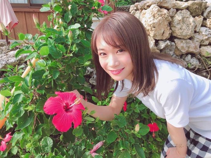 乃木坂46的队长「秋元真夏」推出了个人第二张写真集《想要幸福》插图12