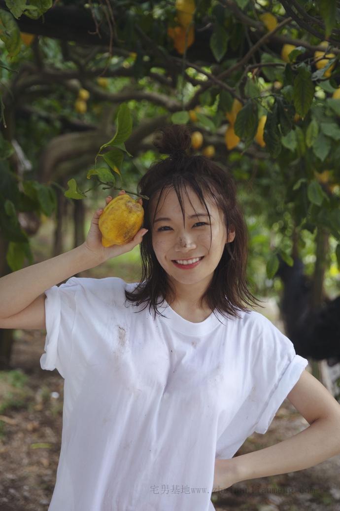 乃木坂46的队长「秋元真夏」推出了个人第二张写真集《想要幸福》插图20