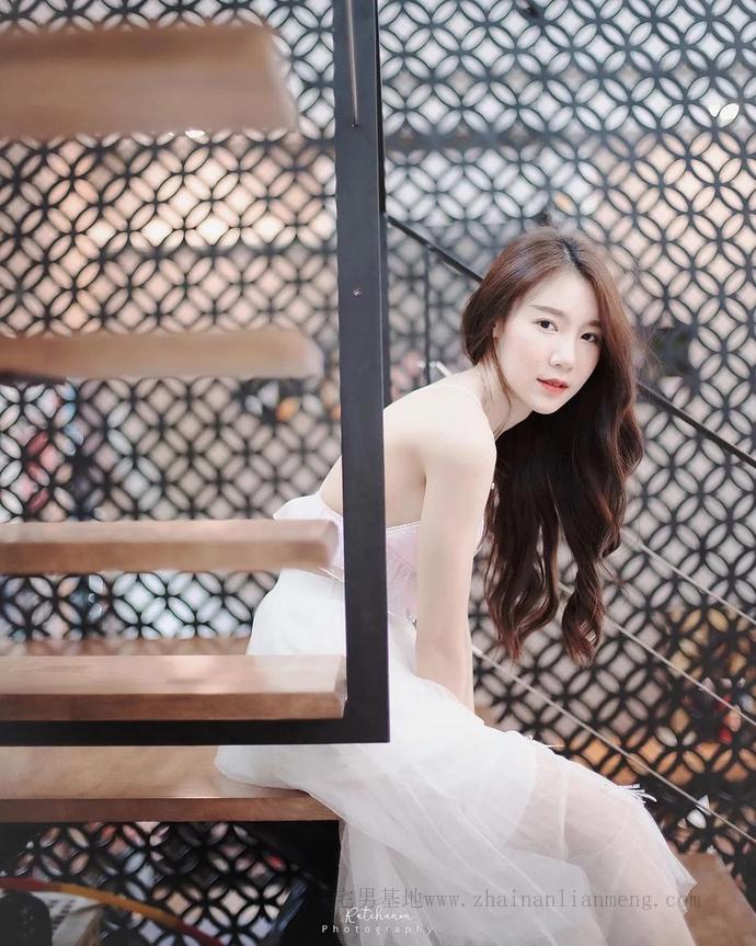 泰国神ru级网红Carolis Mok,身材妖娆如行走的维纳斯