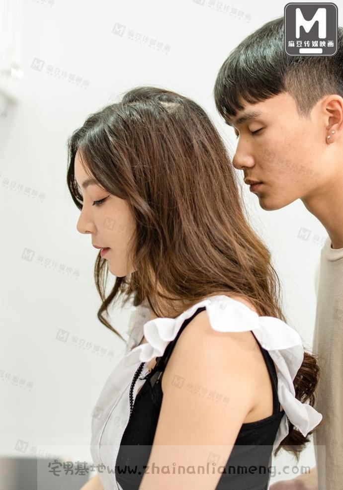 【MDX0004强上儿子的班主任】,麻豆传媒映画女郎赵佳美当上了班主任插图10