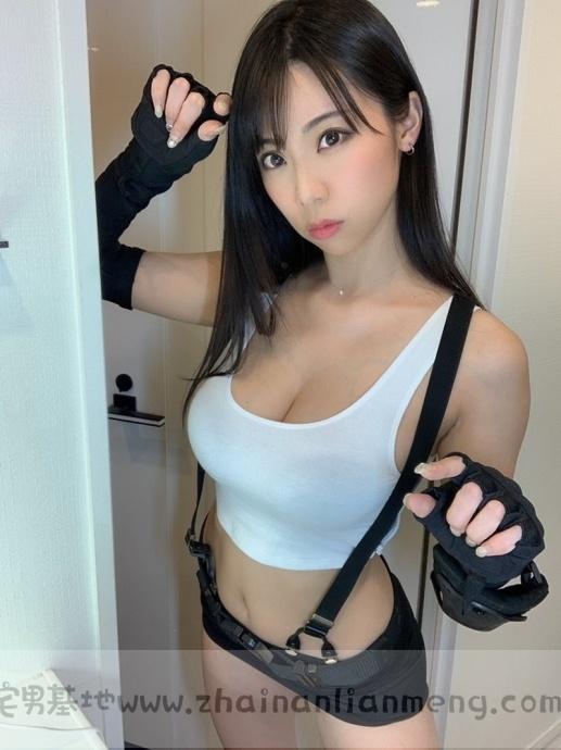 「铃木富美奈」玩cosplay,神级H奶神还原蒂法,好想和她一起玩游戏插图1
