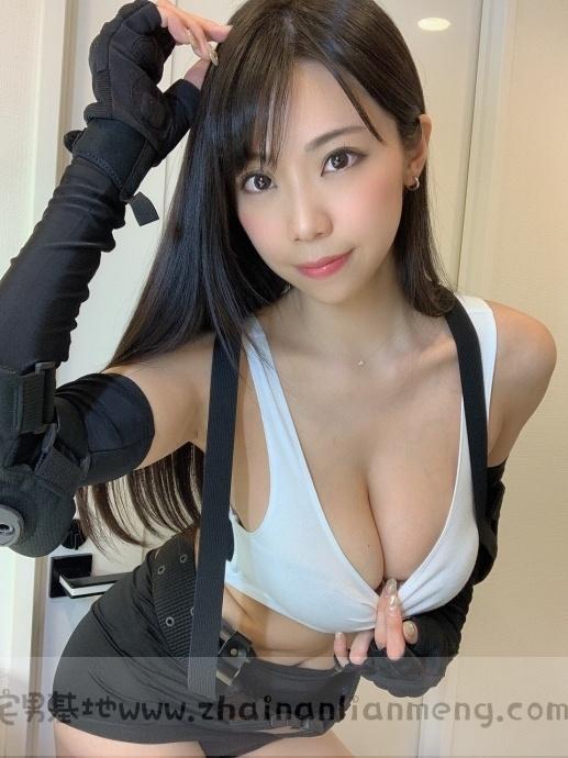 「铃木富美奈」玩cosplay,神级H奶神还原蒂法,好想和她一起玩游戏插图3