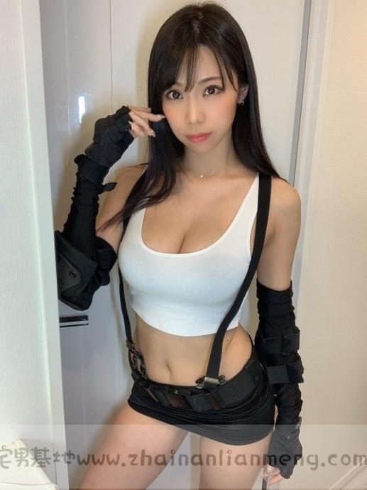 「铃木富美奈」玩cosplay,神级H奶神还原蒂法,好想和她一起玩游戏插图4