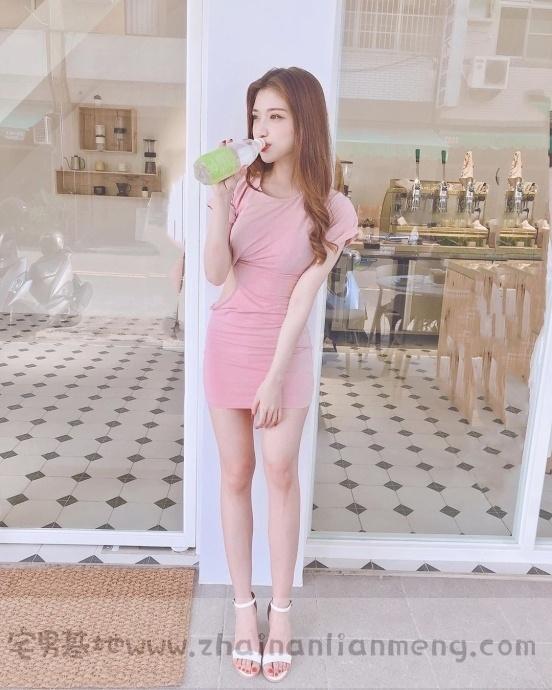 家X福百货店碰到「超萌美少女」,长发飘逸柔秀气可爱美讨人喜欢插图8