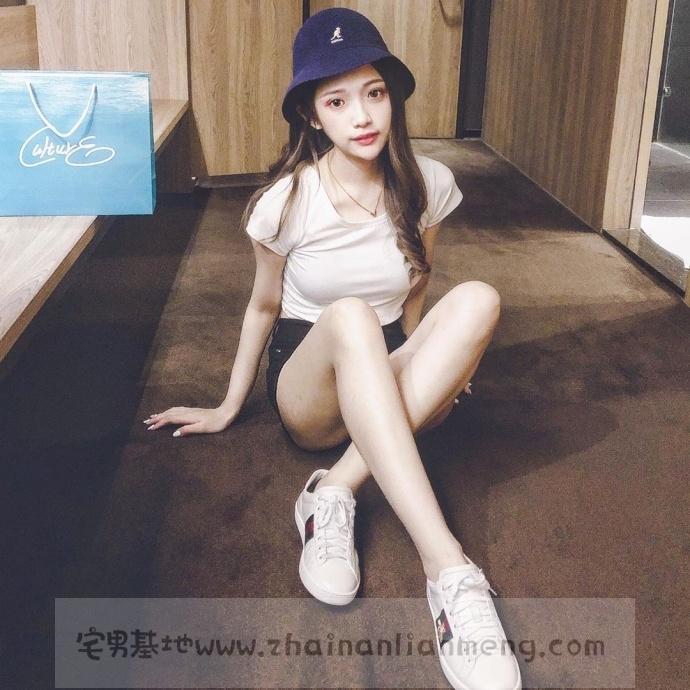 家X福百货店碰到「超萌美少女」,长发飘逸柔秀气可爱美讨人喜欢插图6