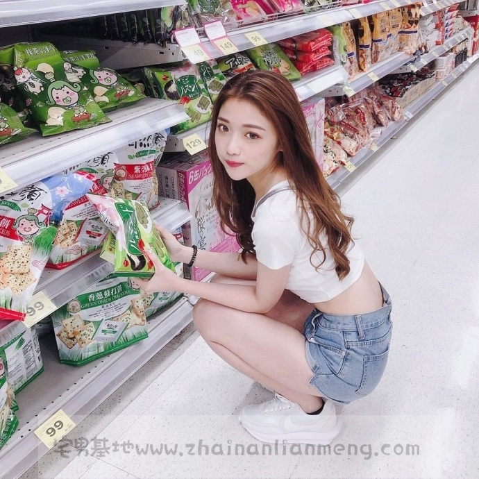家X福百货店碰到「超萌美少女」,长发飘逸柔秀气可爱美讨人喜欢插图2