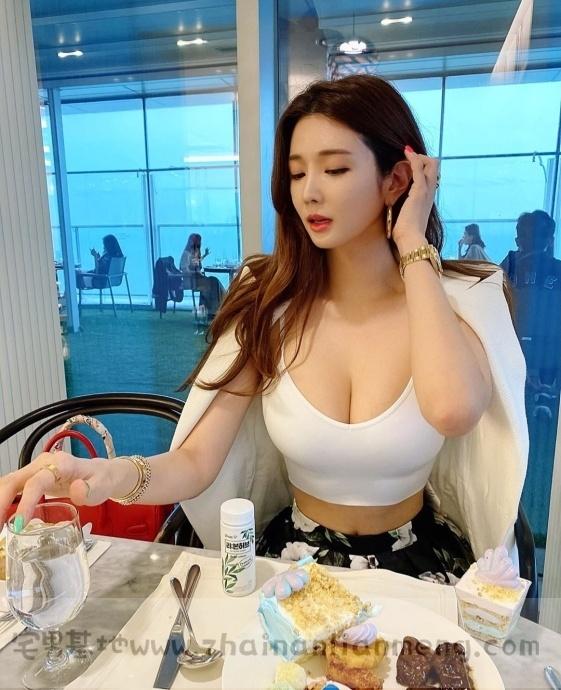烧肉店偶遇「超胸美少女」,ins网红manyo_yoojin外型美艳撩人无数插图14