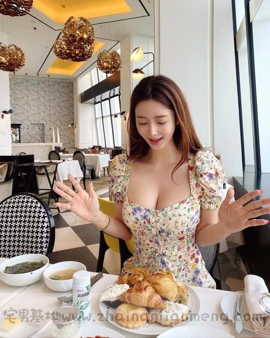 烧肉店偶遇「超胸美少女」,ins网红manyo_yoojin外型美艳撩人无数插图17