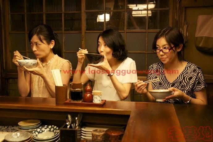「深夜食堂」最新电影推荐豆瓣影评:人世间所有的爱恨别离生老病,都包裹在每一份食物里面插图1
