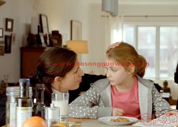 最新电影推荐「拉扎老师」豆瓣影评:孩子太成熟,看到的残酷就多一些;大人很善良,看到的残酷就少一些