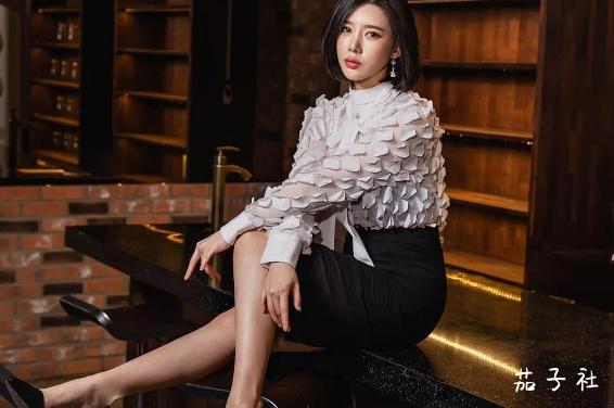 韩国车模闵汉娜 充满野性的小皮裤女神 宅男福利 第2张