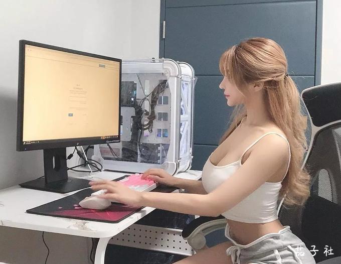 韩国宅男女神Vely_Mom 身材柔软胸比头大