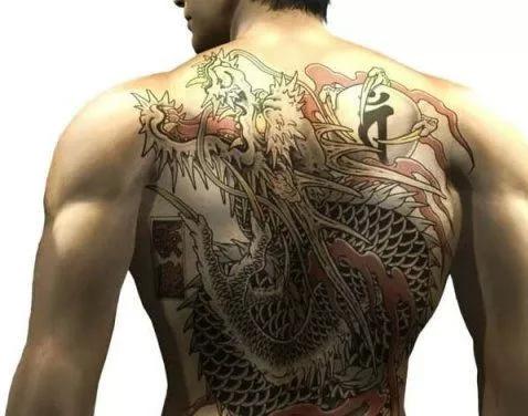 《如龙0》以日本黑帮文化为主题的一部作品