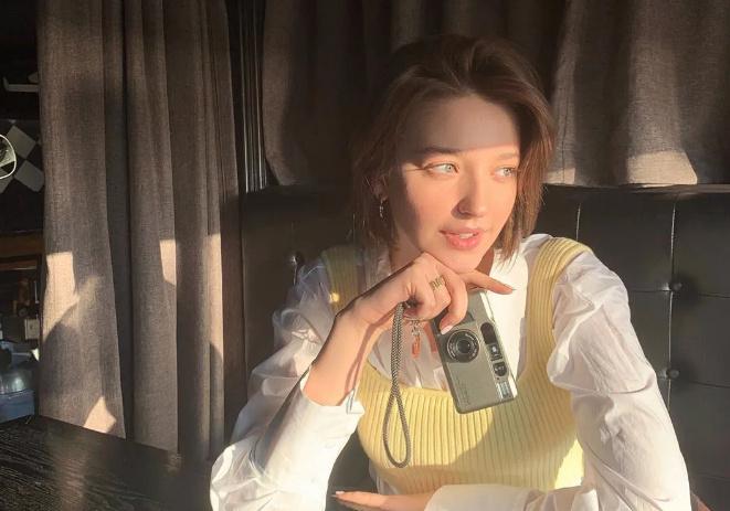 黑木亚里沙,业界中酷爱摄影的女演员