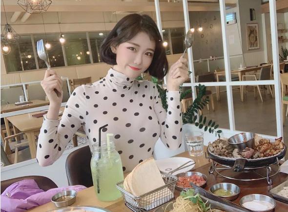 韩国Maxim 首次用已婚女人封面?创作者 Berry 的超级魅力