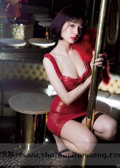 中日混血美少女「冈田纱佳」,霸道长腿完美身材,麻雀模特两不误插图15