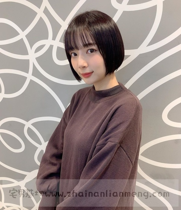 中日混血美少女「冈田纱佳」,霸道长腿完美身材,麻雀模特两不误插图1