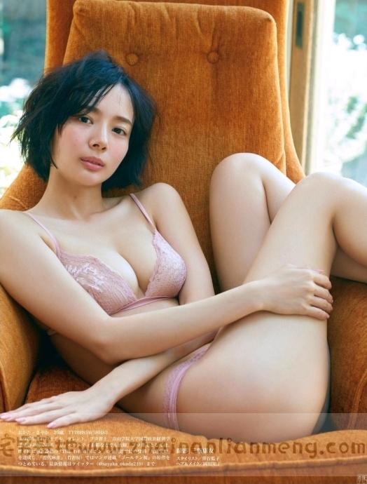 中日混血美少女「冈田纱佳」,霸道长腿完美身材,麻雀模特两不误插图13