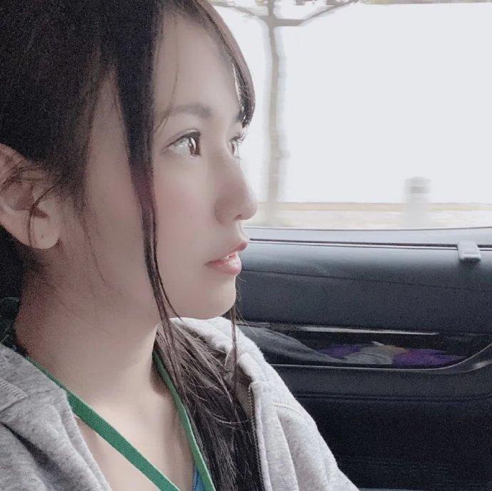 宫崎玲(宮崎リン):一个月涨粉8万的女子社员荣登黑马榜