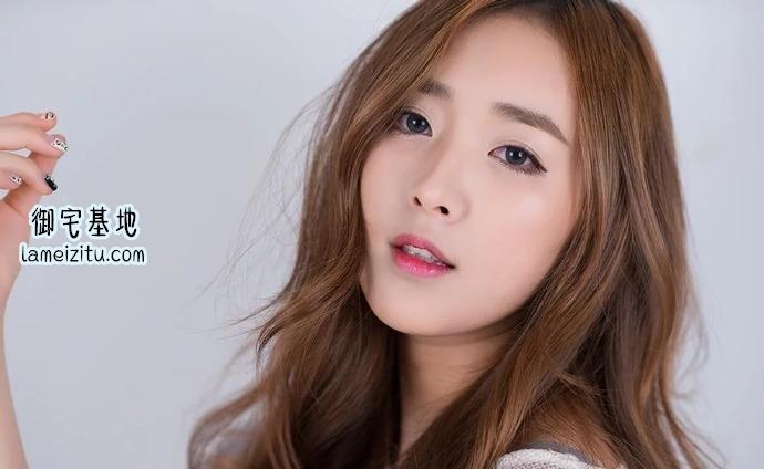 韩国女团成员方敏雅