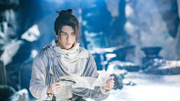 新版《倚天屠龙记》周海媚欣赏「史上最年轻张无忌」 无畏发烧也要吊钢丝