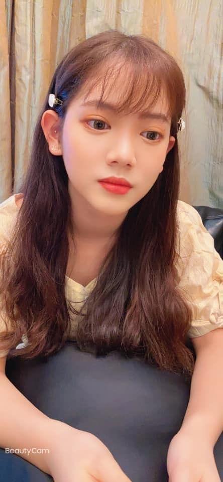 王彩桦甜晒妈妈视角17岁爱女撞脸「偶像剧女神」