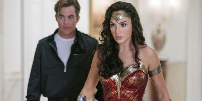 《神力女超人1984》:我们为什么需要电影院?我们为什么需要黛安娜?它通通都有完美解答