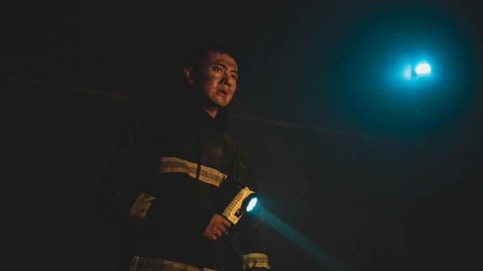 林柏宏、刘冠廷扮打火弟兄!真实故事取材消防职人剧《火神的眼泪》前导预告上线,2021 年 5 月公视开播