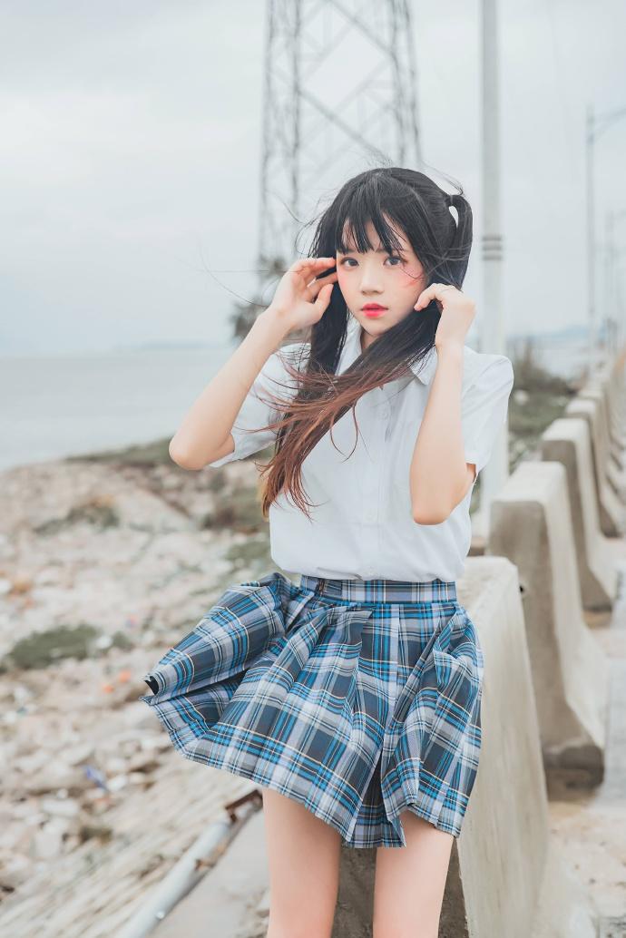网红coser桜桃喵身穿JK校服-耳畔的风 次元美图