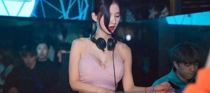 韩国美女DJ MIU,天使脸孔魔鬼身材让人疯狂 网络美女 第1张