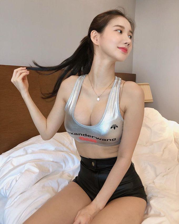 韩国美女DJ MIU,天使脸孔魔鬼身材让人疯狂 网络美女 第3张