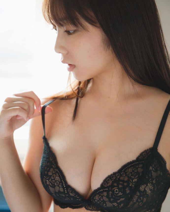 乃木坂46第一美胸之19岁与田祐希写真最强 网络美女 第2张