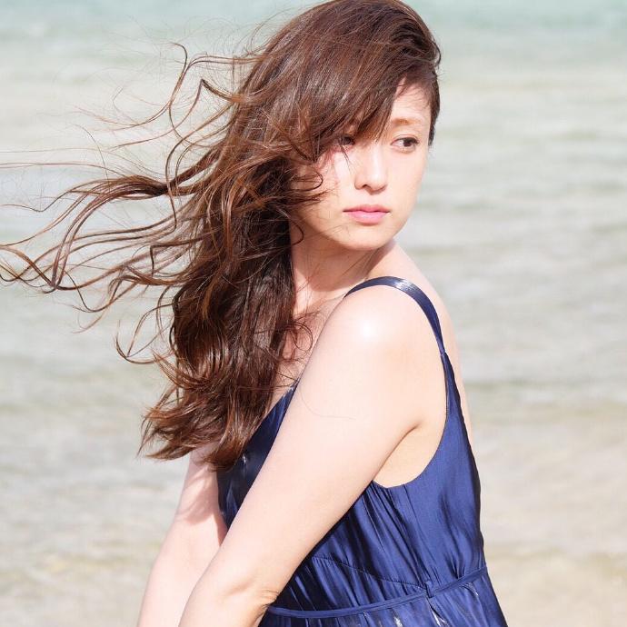 2021年必买月历,深田恭子公布写真月历 网络美女 第10张