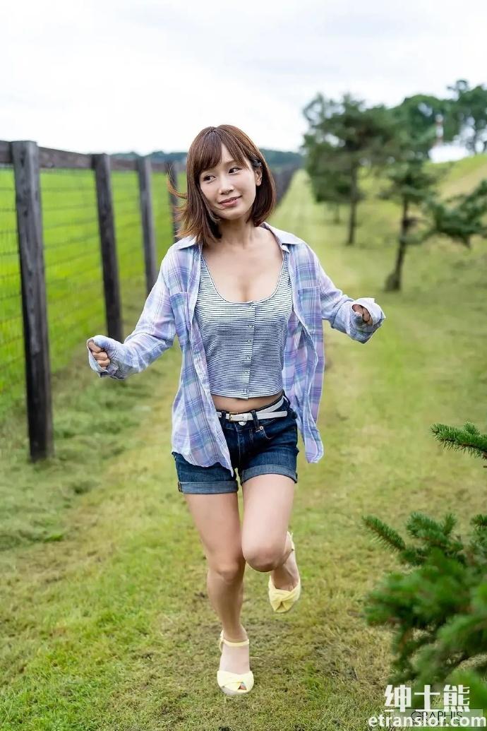 老婆小岛みなみ(小岛南)出道至今2021作品SSNI-978:每天假借跳广播体操运动 雨后故事 第7张