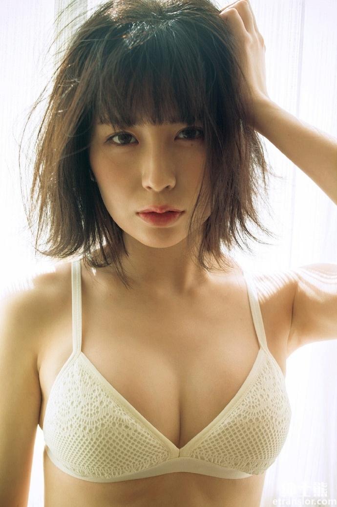 又一位女团成员宫内凛推出个人写真作品 养眼图片 第6张