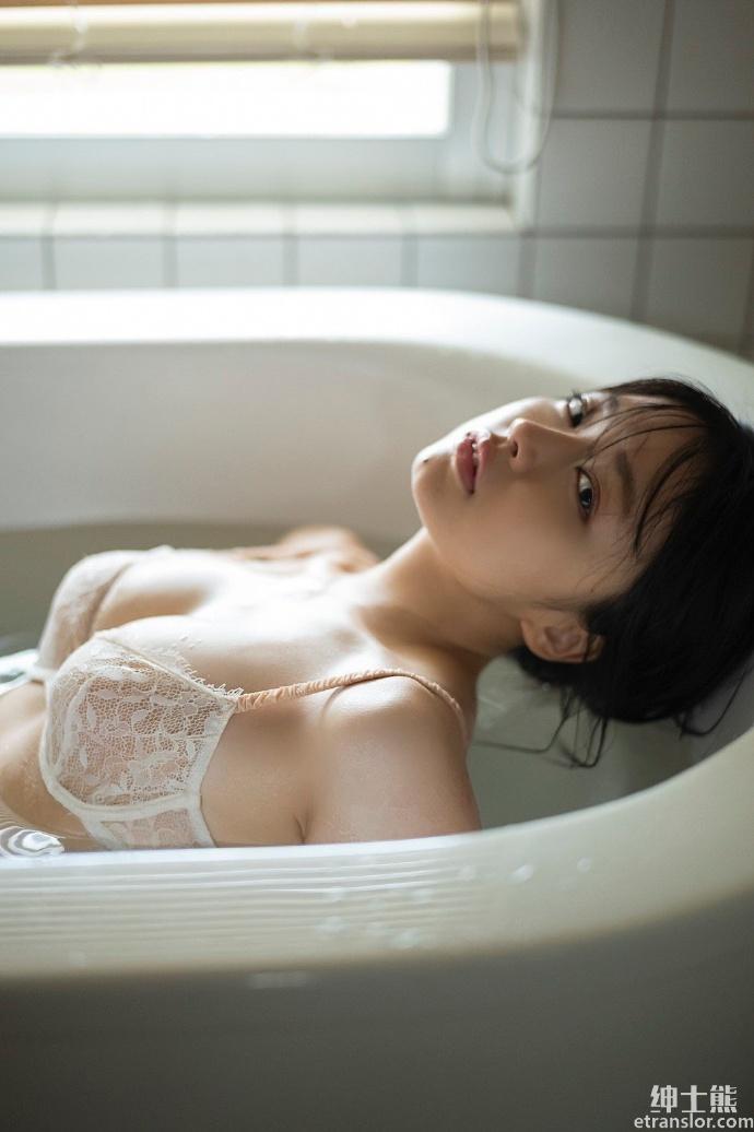 短发可爱小萝莉上田操拍摄新写真 养眼图片 第7张